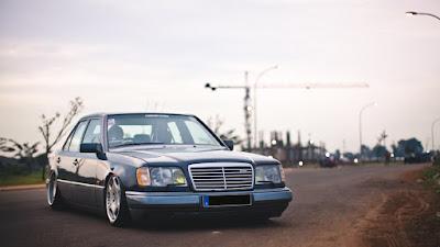 Kelebihan dan Kekurangan Mercedes-Benz W124 300E