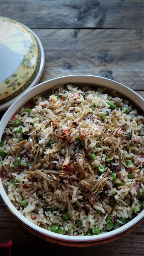 Nasi Goreng Kerabu - Azie Kitchen