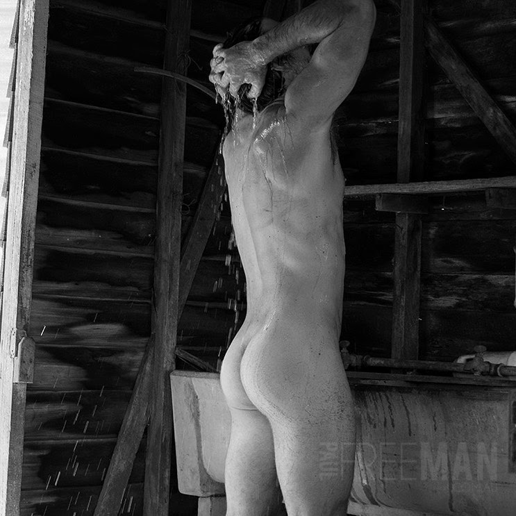 ShoweR, by Paul Freeman ft James Sheahan (NSFW).