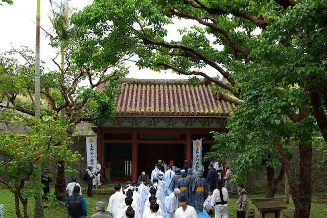 worship by priestesses and dignitaries below Shuri Castle