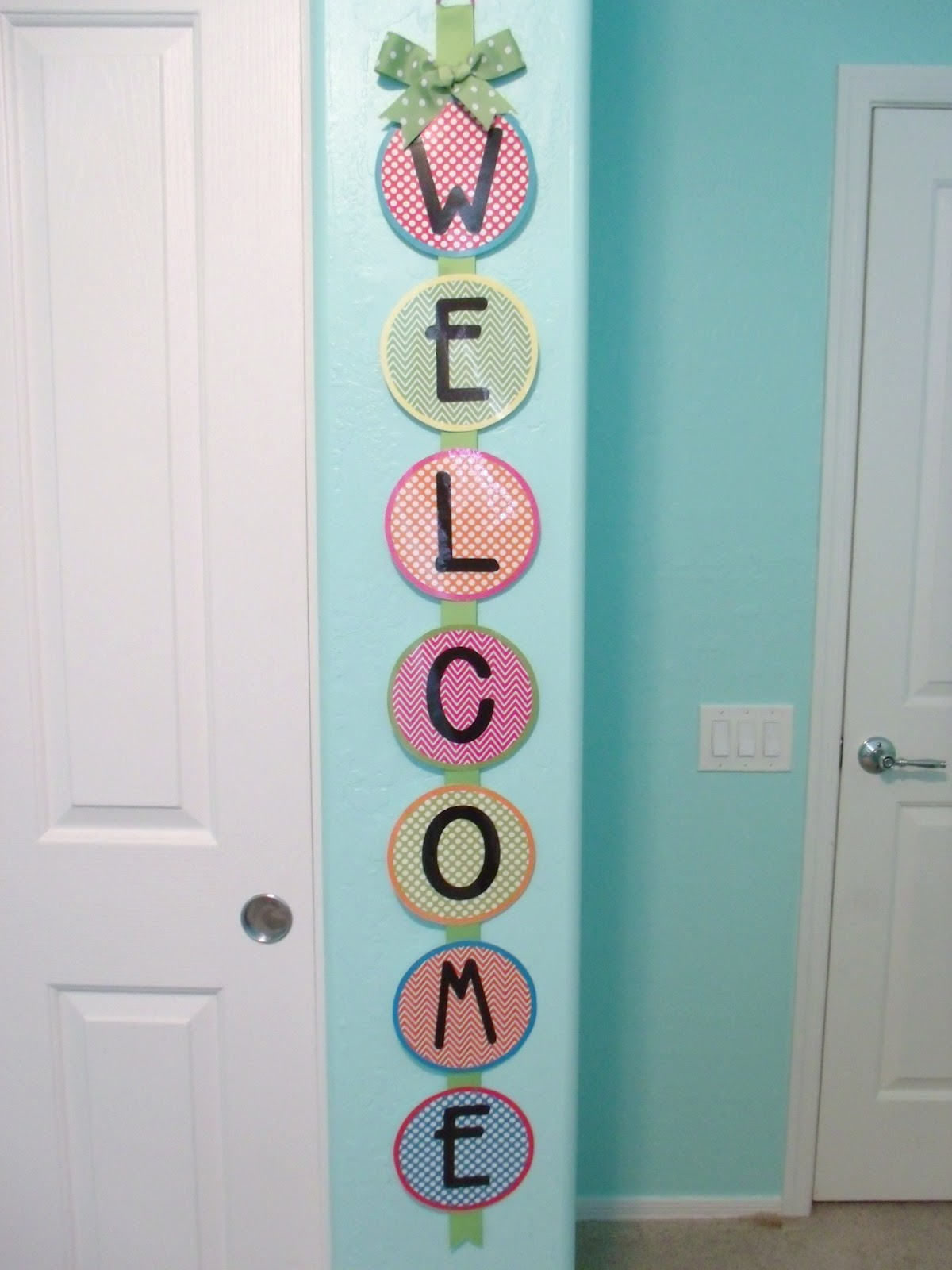 Welcome Sign For Classroom Door : welcome, classroom, Help,, Addicted, Ribbon, Signs!, Primarily, Speaking