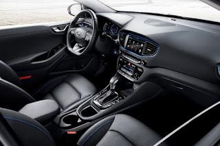 Hyundai Ioniq Hybrid (2017) Interior