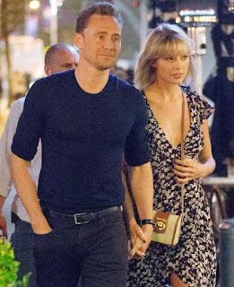 Singer Taylor Swift and Tom Hiddleston split