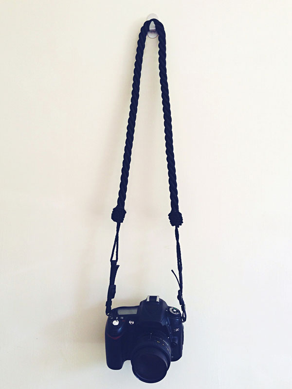 La-Fanciulle-DIY-camera-strap-curtain-rope.jpg (600×800)