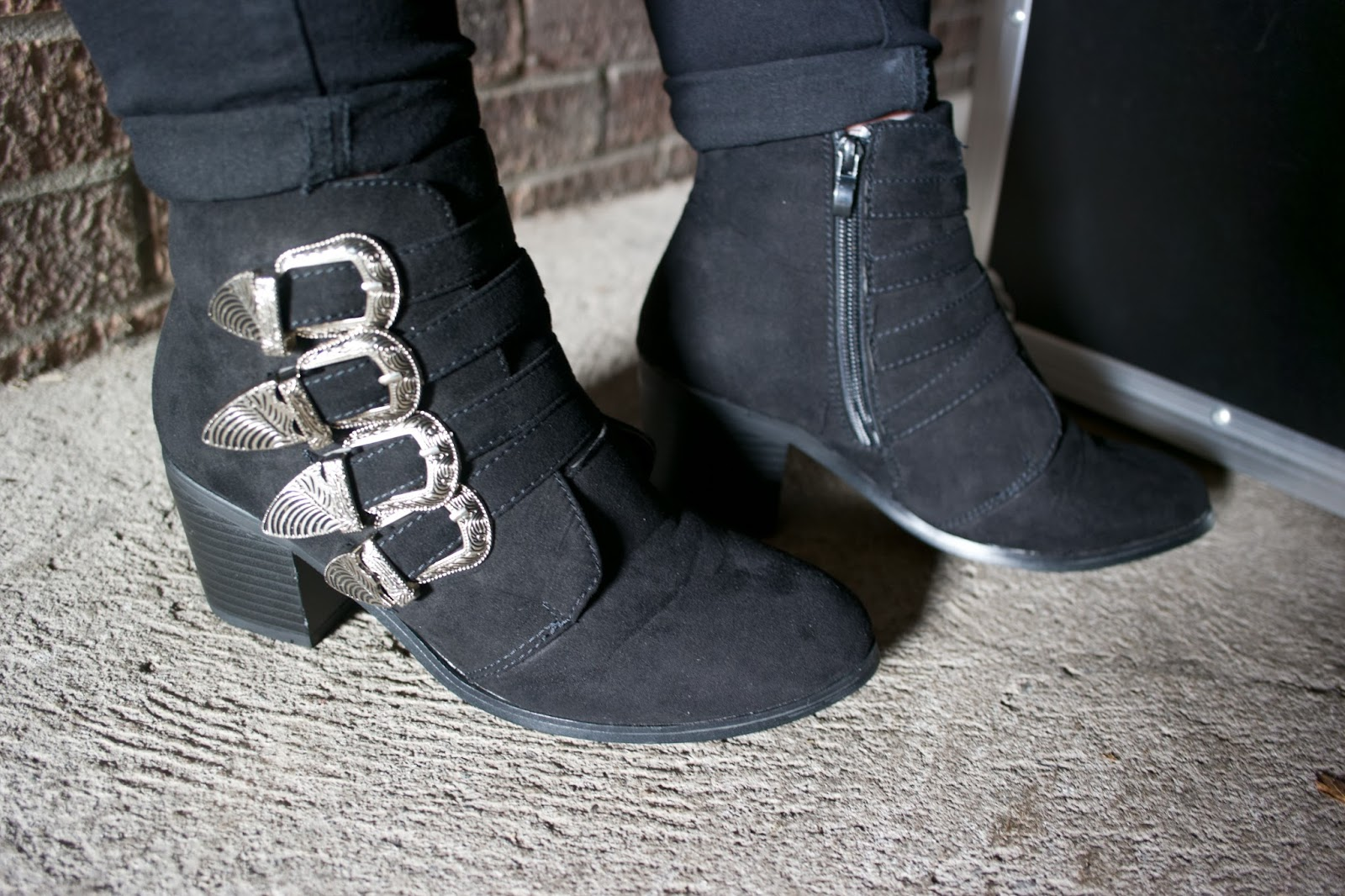 All Black Everything |    LOTD Haul  eyelinerflicks.com  Black western boots
