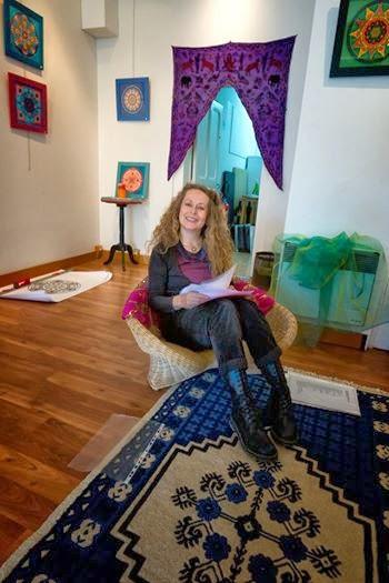 mandalas anne jacquemin uzes expos. Black Bedroom Furniture Sets. Home Design Ideas