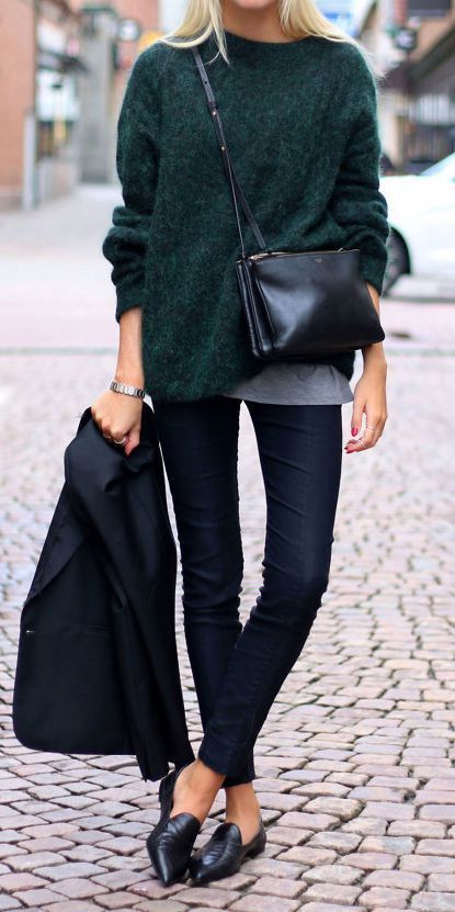 trendy fall outfit / black blazer + loafers + skinnies + bag + sweater