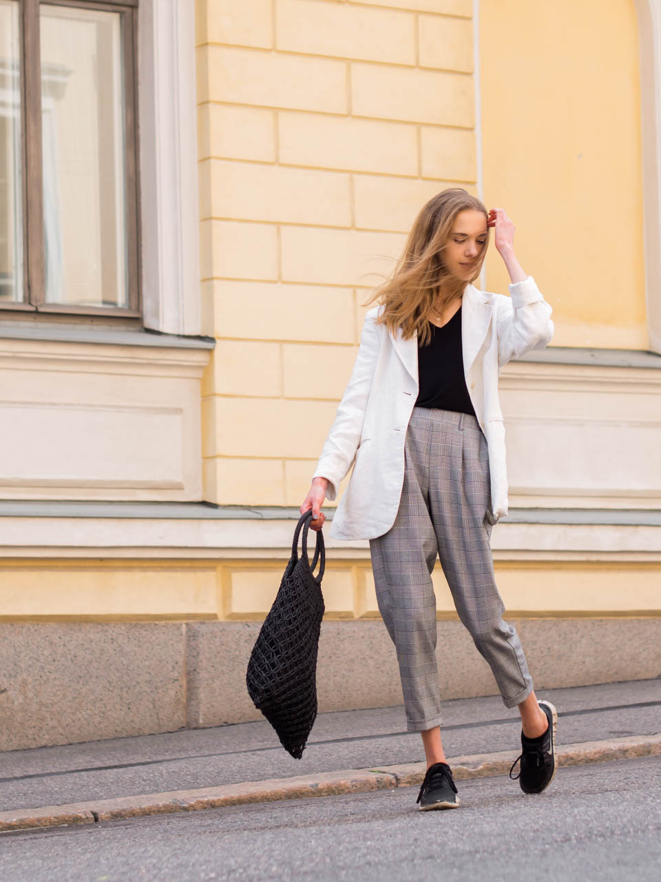 summer-2019-bucket-list-and-scandinavian-style-outfit-fashion-blogger