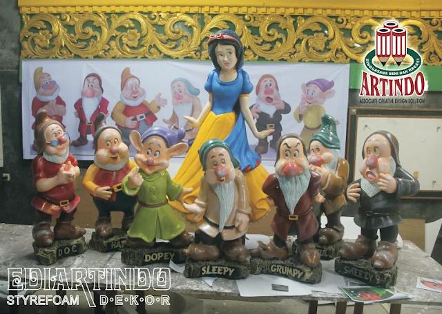 "jasa Patung 4D Bentuk Caracter "" Snow White & The Seven Dwarfs"