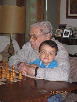 Joaquim Durão y su nieto Santiago en 2011