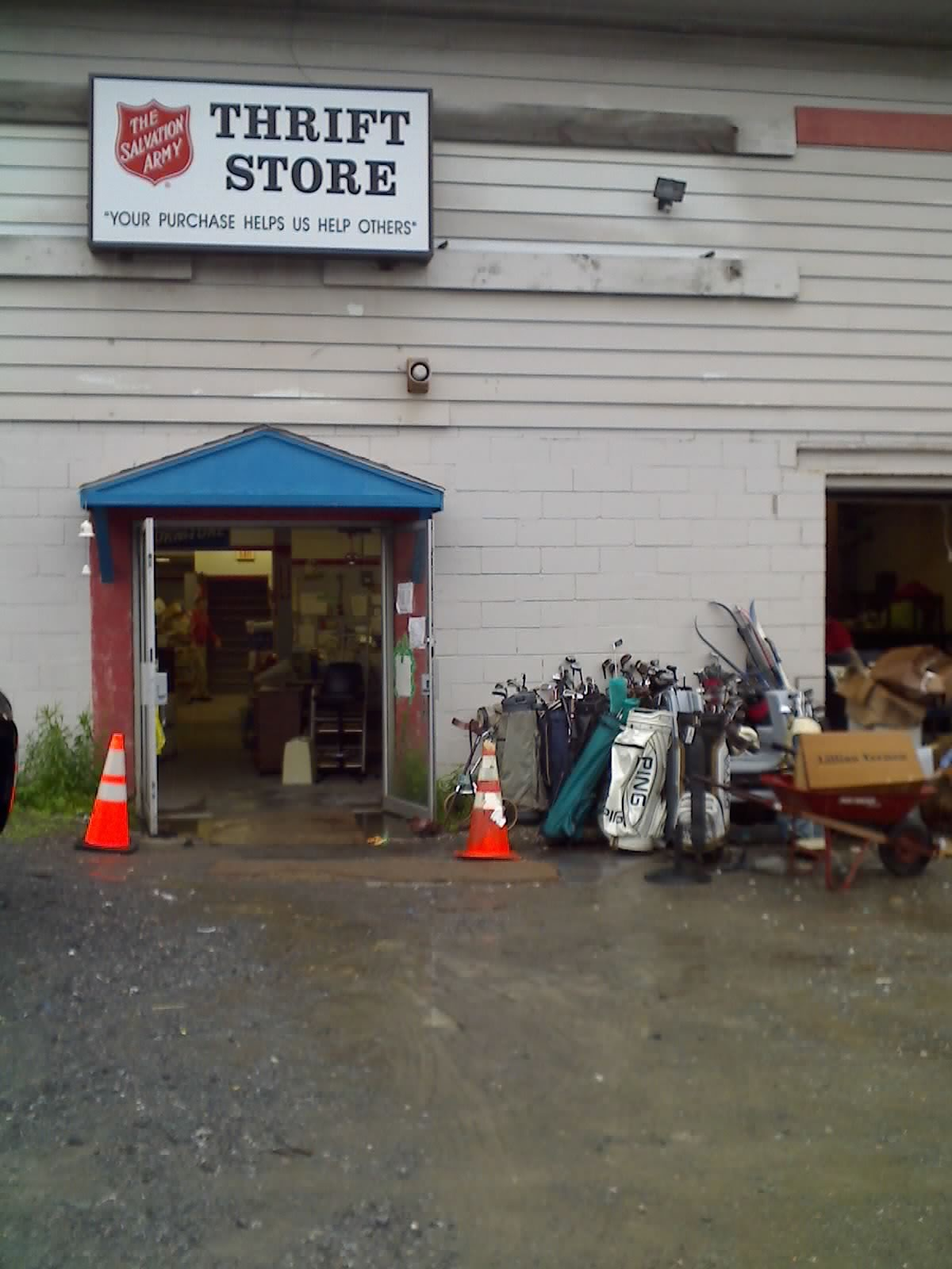Yardsalequeen.com Yard Sale Garage Sale Blog: Thrift Store