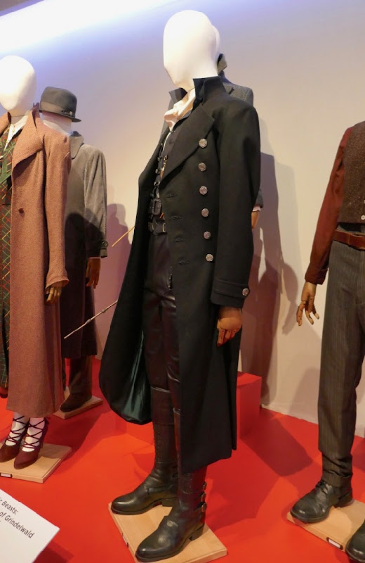 Fantastic Beasts 2 Grindelwald movie costume