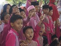Presiden Disambut Ratusan Siswa, Tapi Kok Malah Teriak Prabowo