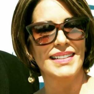 2614824dc2006 Óculos de sol de Beatriz, interpretada por Gloria Pires na novela  Babilônia- Capítulo dia 07 04 2015 é da marca Tom Ford