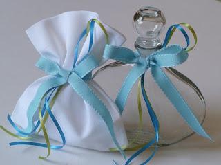 μπουκαλάκι λαδιού και σαπουνάκι για βάπτιση αγοριού