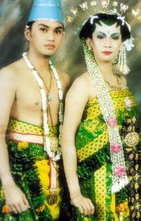 Foto Pernikahan Anjasmara dan Dian Nitami tahun 1999