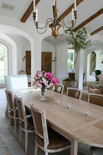 Inspiring interior design inspiration in modern French farmhouse dining room - found on Hello Lovely Studio