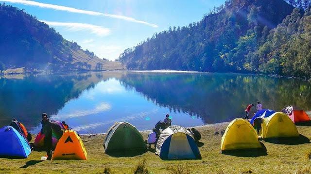 Camping Ground Danau Ranu Kumbolo Taman Nasional Bromo Tengger Semeru