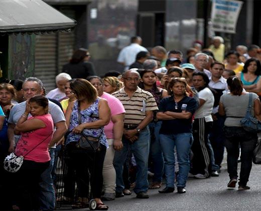 """Venezuela es, por tercer año seguido, la """"economía más miserable del mundo"""""""
