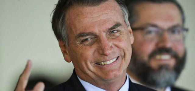 Bolsonaro desmente boatos sobre acabar com o 13° salário e férias