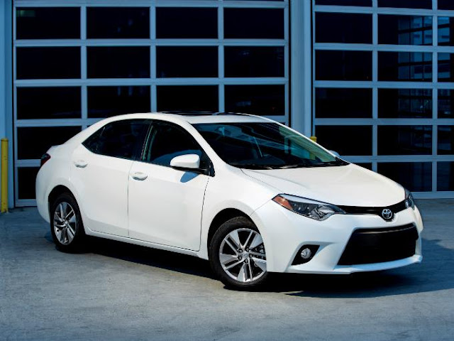 Trump ameaça montadora japonesa Toyota por fabricar Corolla no México