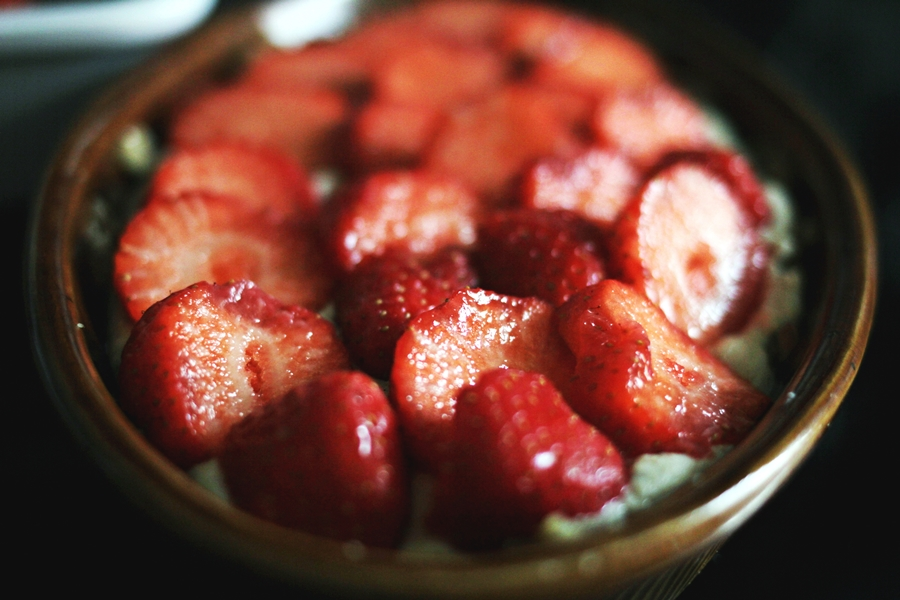 strawberry cake vegan