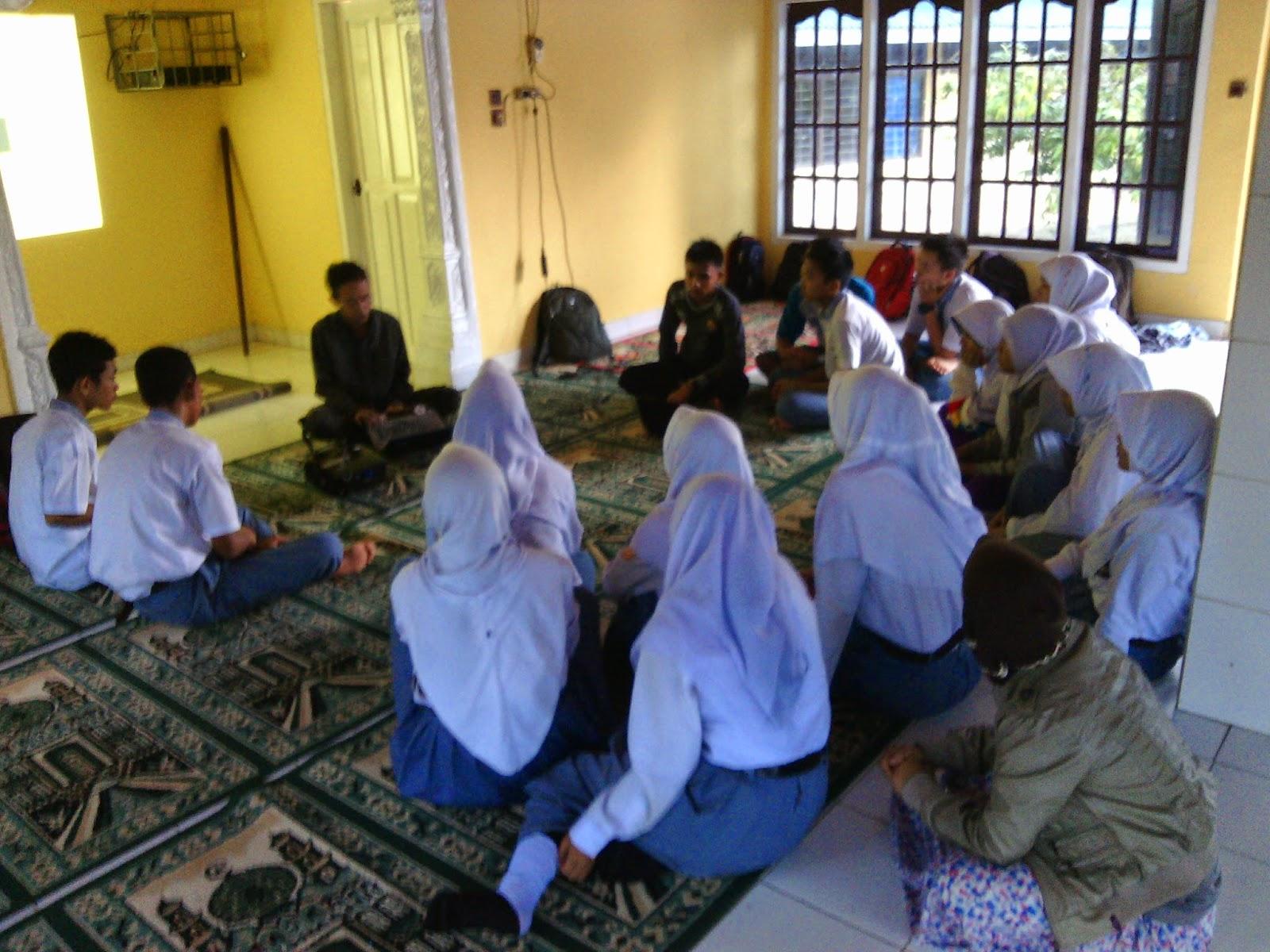 Rohani Islam Sman 9 Kota Jambi Kegiatan Mentoring Di Sma Negeri 9 Kota Jambi