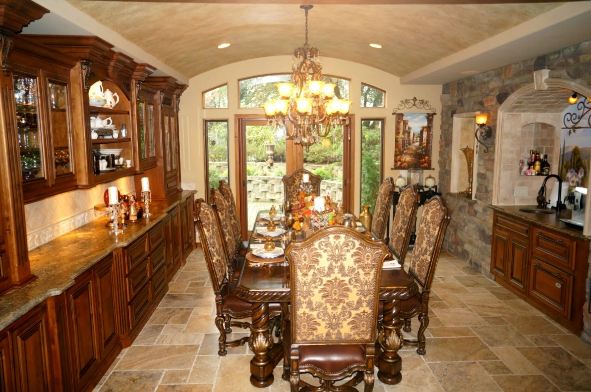 Tuscan Dining Room by LifeandLinda