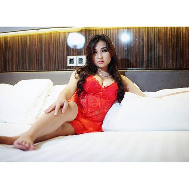 Image Result For Ria Winata Seksi Photoshoot Merah Putih Menggoda