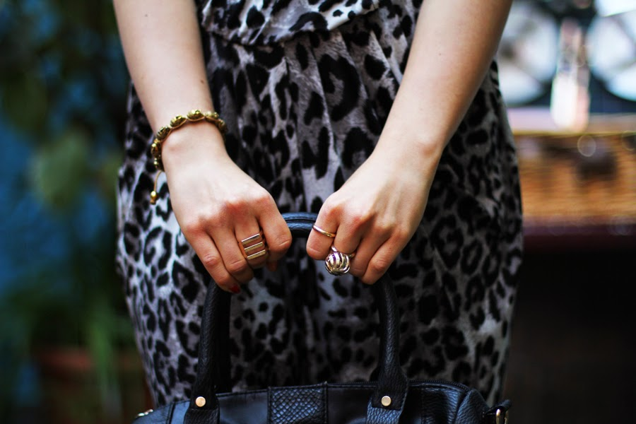accesspires fashion gold ring details blogger