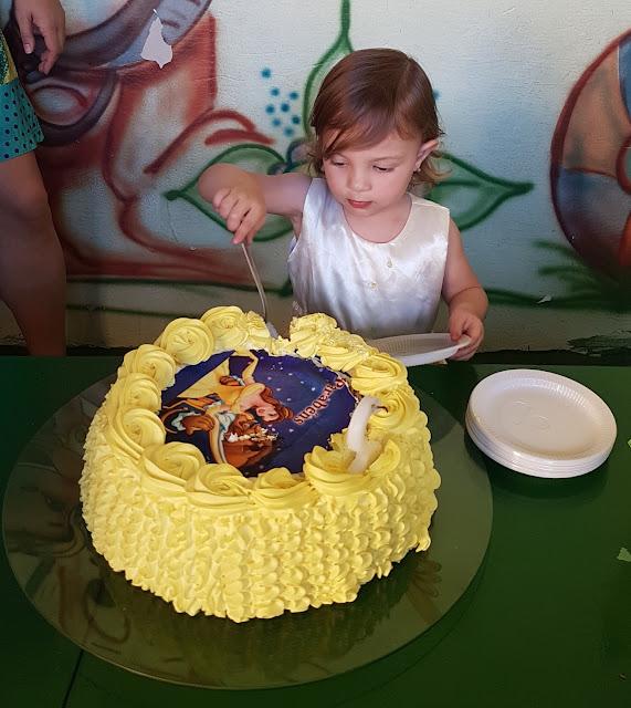 aniversário a bela e a fera, bolo princesa