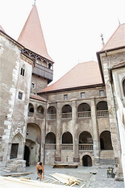 Corvin Castle Courtyard