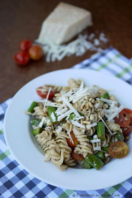 Experimente aus meiner Küche: Spargel-Nudel-Salat mit fruchtigem Balsamico-Senf-Dressing