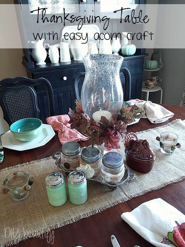 Thanksgiving table and acorn craft idea at www.diybeautify.com