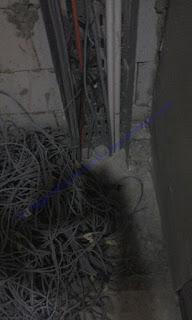 Penyekat Api ini juga diaplikasikan pada kabel - kabel di panel listrik atau shaft cable tray