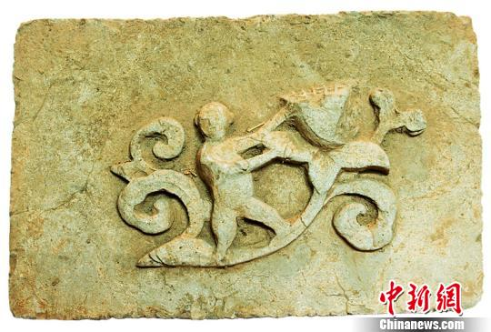 Rare Song Dynasty brick carvings found in Hunan
