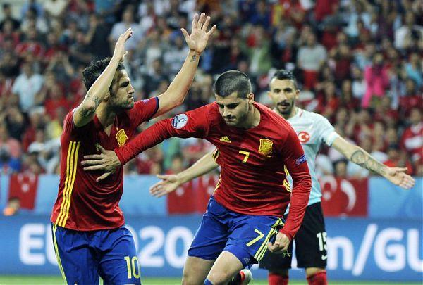 Calcio. Euro 2016: la Spagna batte la Turchia per 3 a 0 e vola agli ottavi