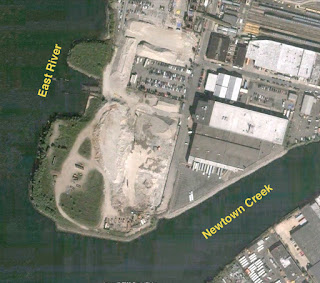 2004 color aerial image of abandoned tip of Hunter's Point showing building removed