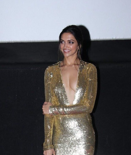 Deepika Padukone without bra, Topless