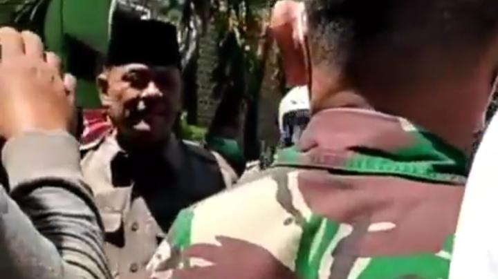 Acara Gatot Cs Dikepung Ratusan Warga Surabaya, Polisi Sebut Tak Kantongi Izin.