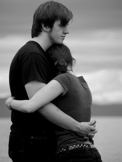 Lovely hugs in love pictures romantic love quotes - Tight hug wallpaper ...