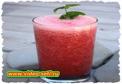 How To Make Watermelon and Yogurt Smoothie