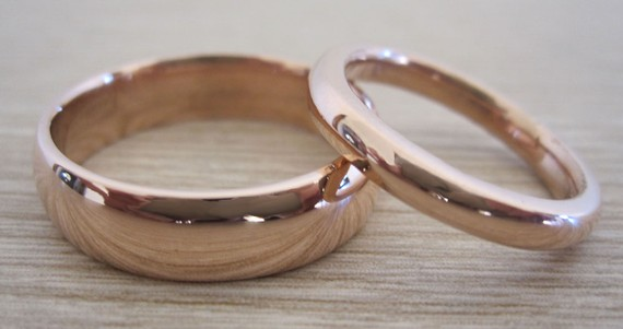What type of Wedding Band s is are best for a Tiffany Setting