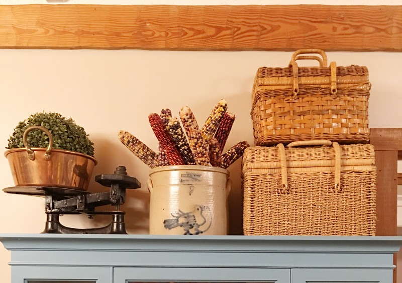 Cozy Fall Decor Ideas in a Log Cabin Kitchen