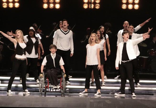 Glee - Season 1 Episode 07: Throwdown