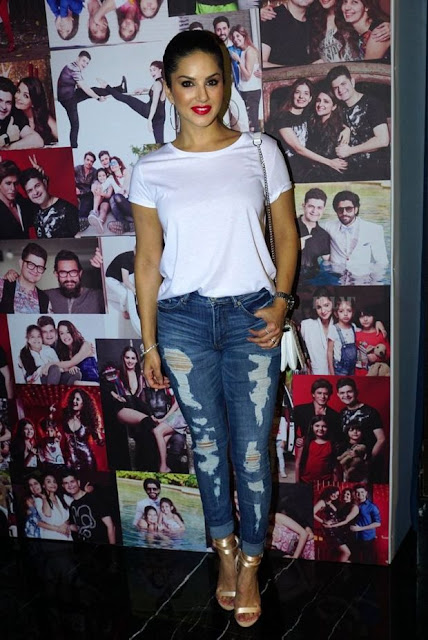 Sunny Leone At The Launch Of Dabboo Ratnani Calendar 2018