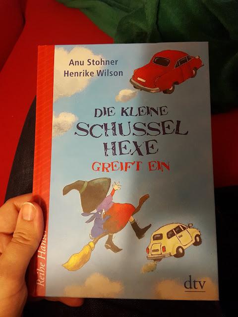 dtv Osterei, Die kleine Schusselhexe, Buch in Berlin versteckt