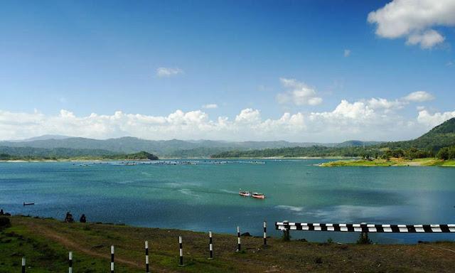 Wadaslintang Reservoir