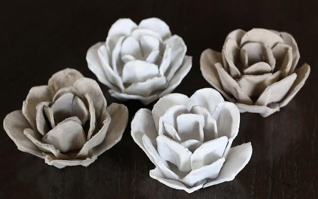 Make Egg Carton Flower Frame