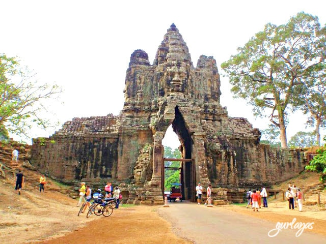 gate Bayon temple by gurlayas.blogspot.com